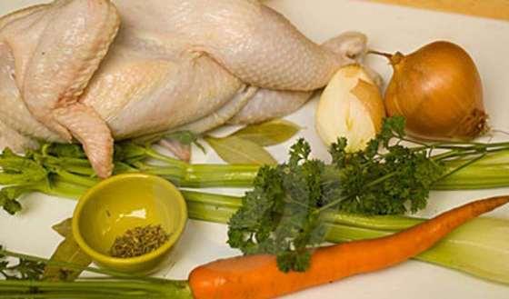 ingredientes-para-la-sopa-de-pollo-13706183