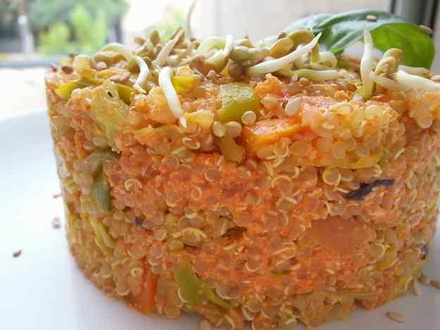 Timbal de quinoa amb salsa de pebrot escalivat 01