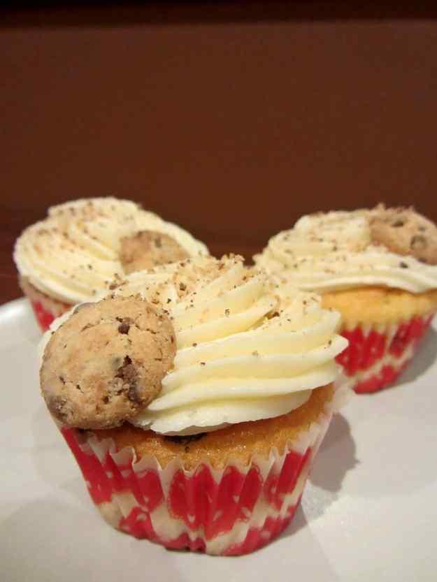 Cupcakes de vainilla i cookies