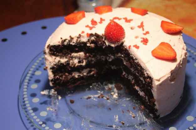 Pastis d'Aniversari de la ara amb buttercream amb gust de petit suisse 02
