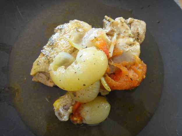 Pollastre guisat amb cebetes i tomàquet (91/164)