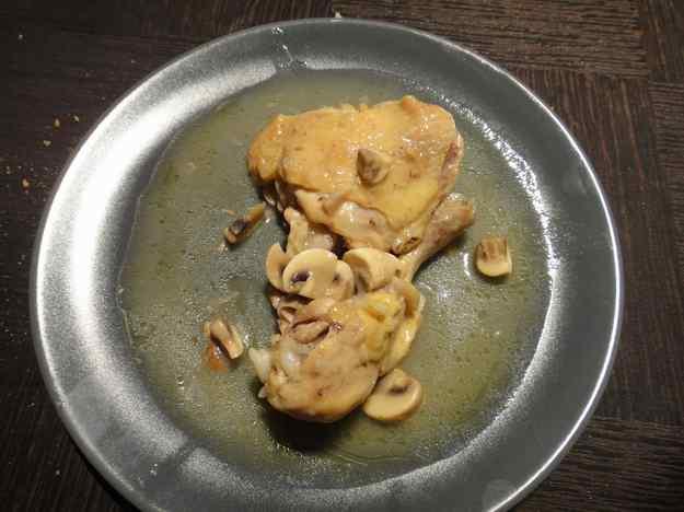 Pollastre amb salsa de xampinyons (150/164)