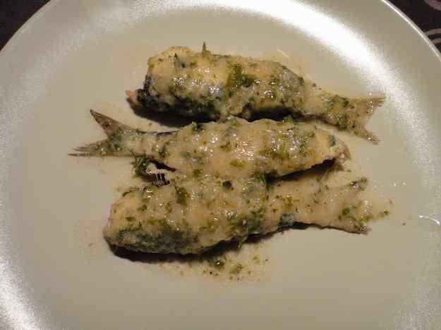 Sardines al forn amb vi blanc i pa ratllat (102/164)