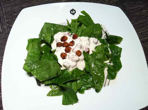 Amanida d'espinacs amb cigrons cruixents i iogur (25/36)