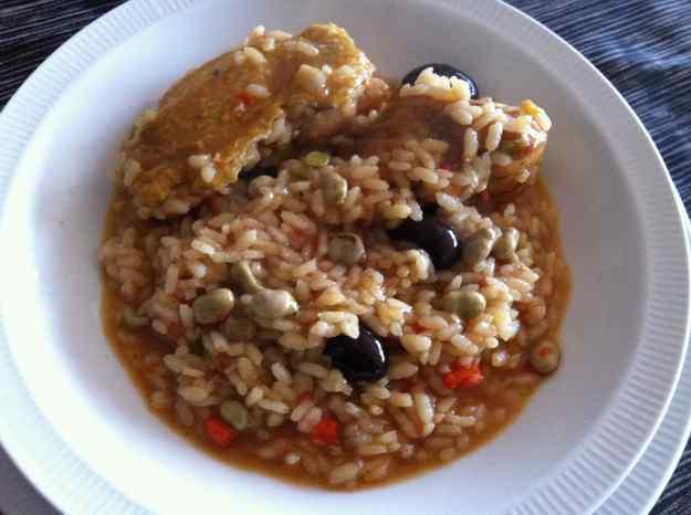 Arròs caldòs amb pollastre, favetes i olives (29/36)