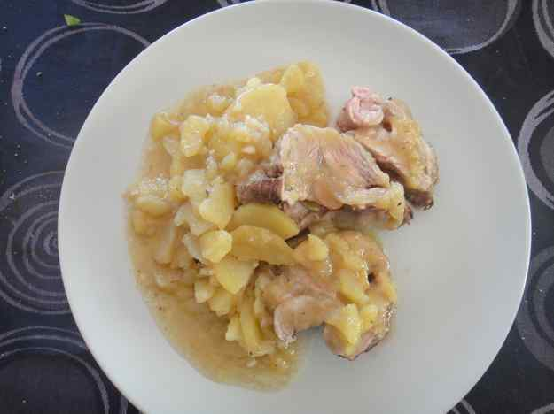 Espatlla de xai amb patata i ceba (83/164)