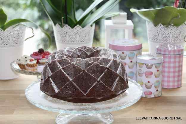 BUNDT CAKE DE XOCOLATA I CRÈME FRAÎCHE