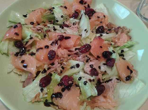 Amanida amb salmó