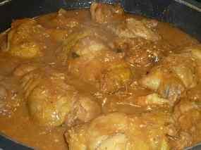 Cuixes de pollastre amb peu de porc i gambes 03