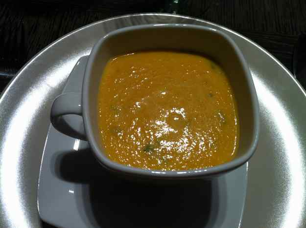 Sopa picant de pastanaga i coco (33/60)