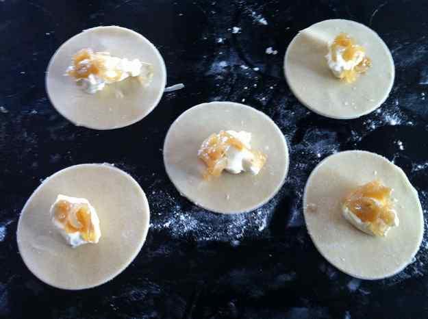 Crema de carbassa amb tortellinis casolans (17/46) 04