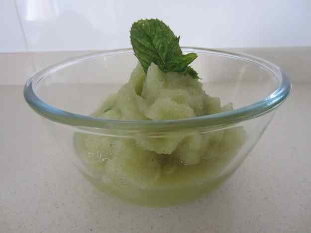 Sorbet de poma àcida amb menta i calvados
