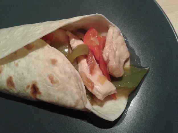 """Tacos"" de pollastre"