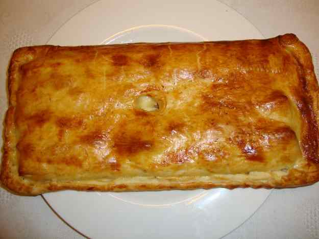 Empanada de tonyina