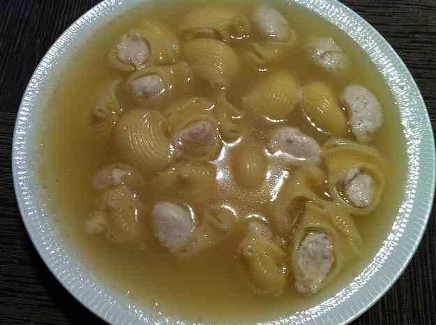 Sopa de galets farcits amb mussolina de lluç (24/69)