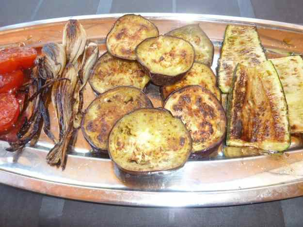 Verdures a la planxa amb salsa de romesco