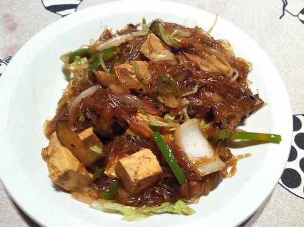 Fideus amb verdures i tofu (36/88)