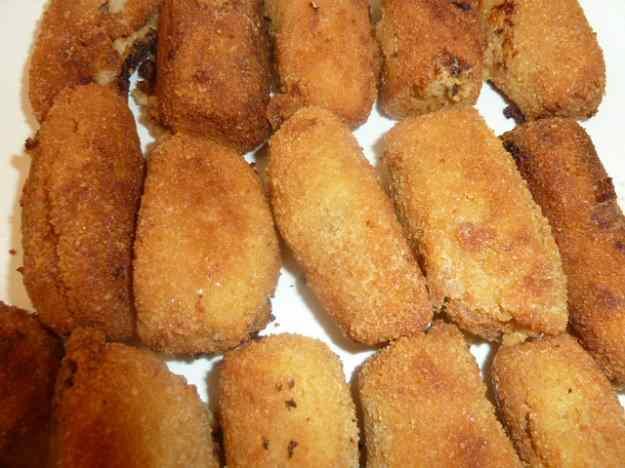 Croquetes cassolanes de pollastre rostit