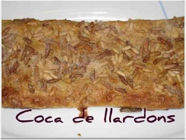 COCA DE LLARDONS AMB PASTA DE FULL