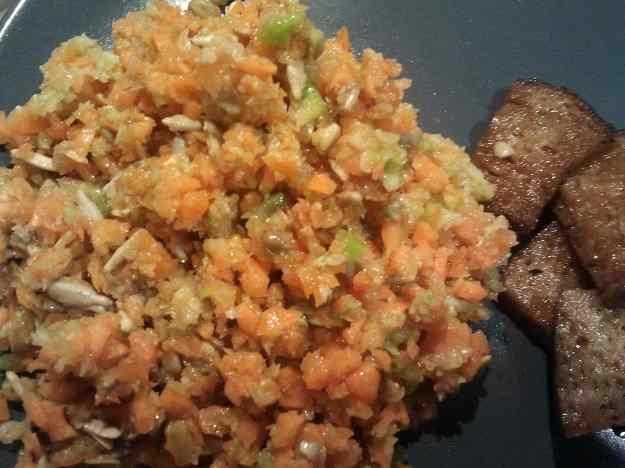 Amanida de carbassó i pastanaga