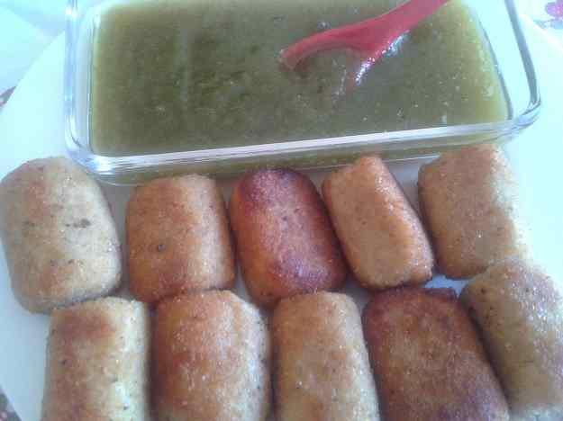 Croquetes de cabrales amb melmelada de pebrot verd
