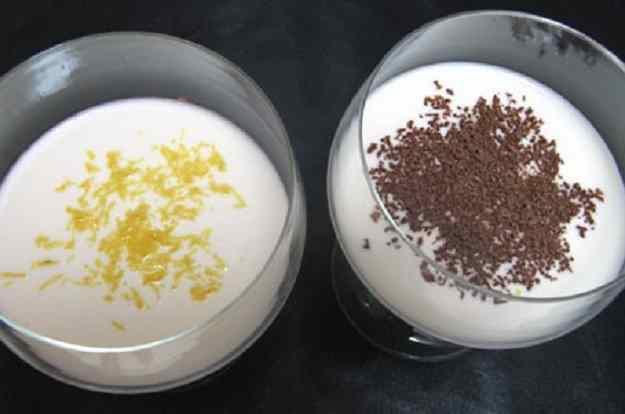 Copa de iogurt, llet condensada i llimona