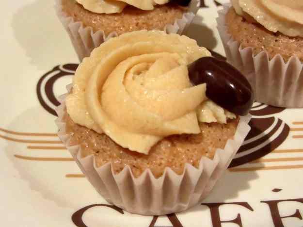 Cupcakes de cafè i nous